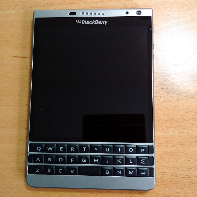 BlackBerry Passport Silver Edition – Features and ...